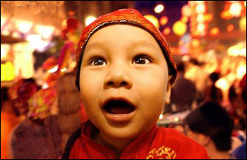 圣诞节入乡随俗 春节走出国门