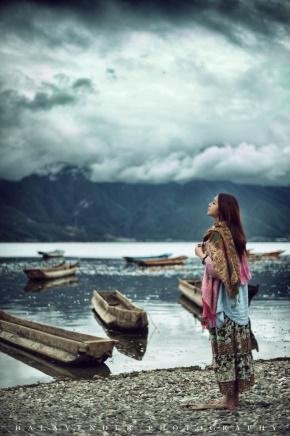 今何在(曾雨)名言被站在桥上看风景收藏到态度