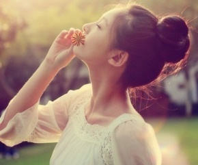刘若英名言被拥抱影子收藏到关于爱情的名言