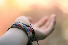 独木舟(葛婉仪)名言被那一抹笑°穿透了阳光收藏到关于生活的名言