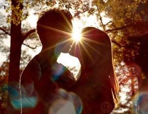 石头花园的歌女名言被刺穿的心收藏到爱情语录