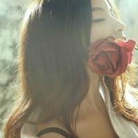 王卯卯(王丽媛)名言被我的爱输给了你收藏到爱情摸样